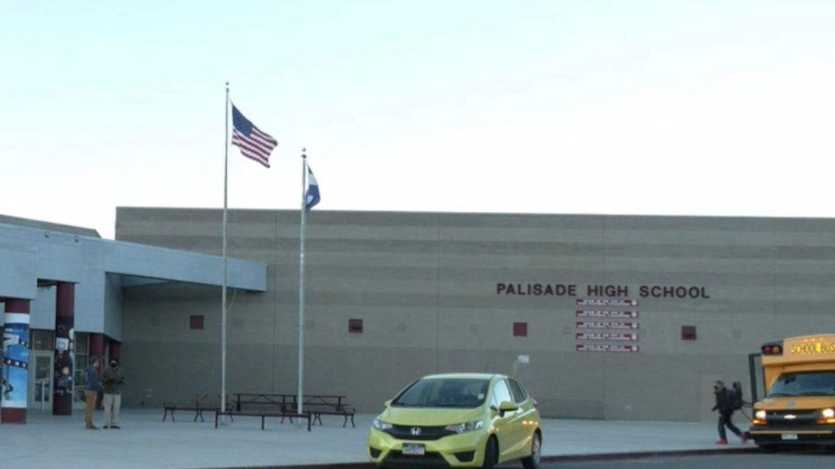 The Mesa Valley Education Association organized a walk-in this morning at palisade High School