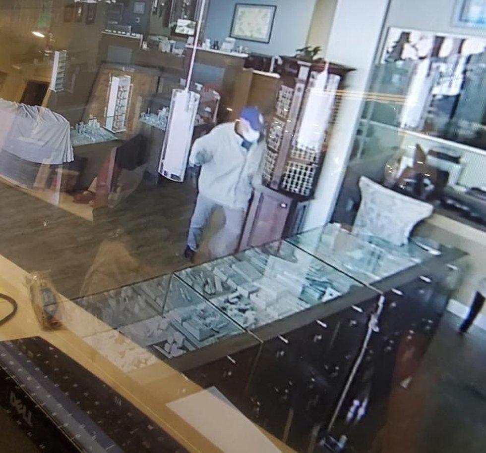 Mesa Jewelers Burglary Suspect
