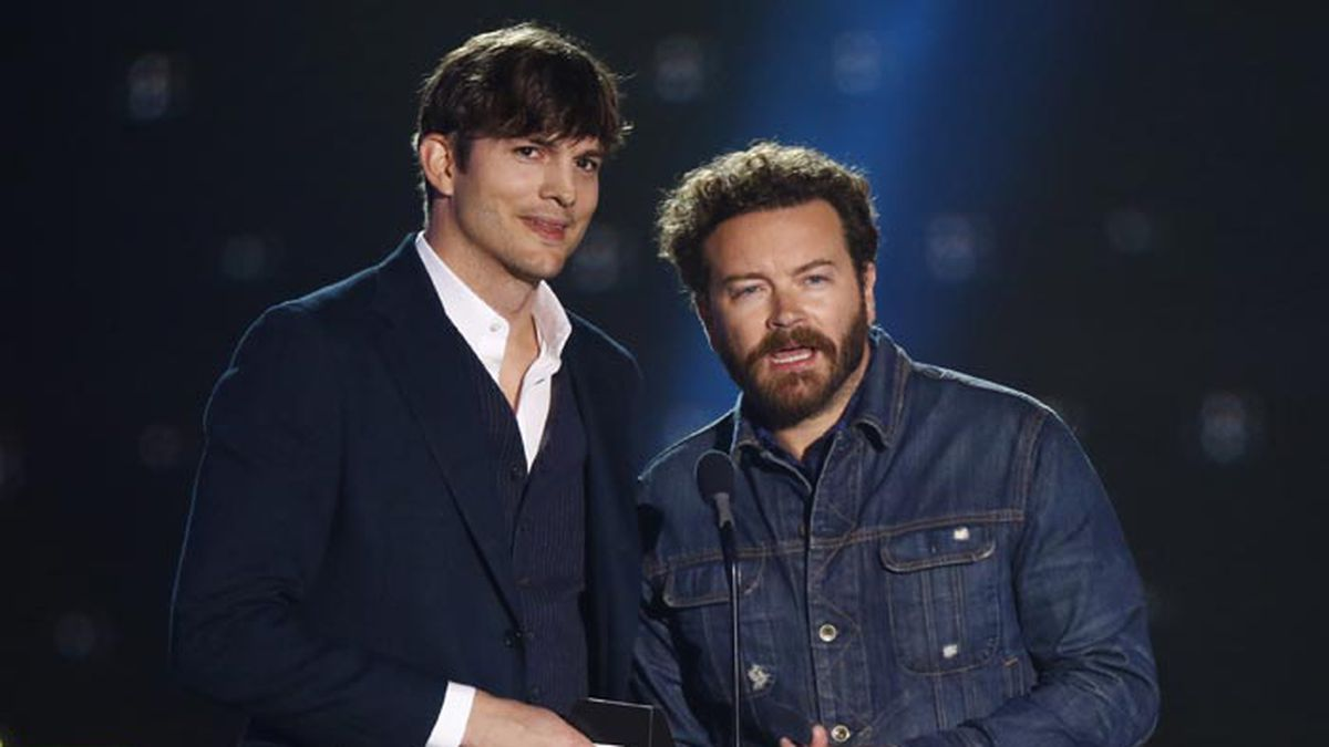 Ashton Kutcher, left, and Danny Masterson present the award for collaborative video of the year at the CMT Music Awards at Music City Center on Wednesday, June 7, 2017, in Nashville, Tenn. (Source: Photo by Wade Payne/Invision/AP/Invision)