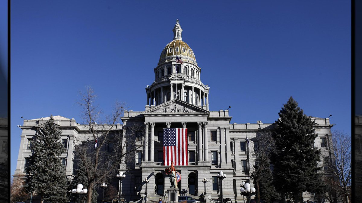 Picture of the Colorado State Capitol Building