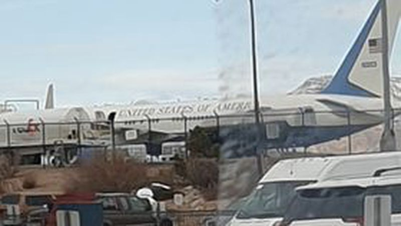 Viewer photo sent in showing the plane.