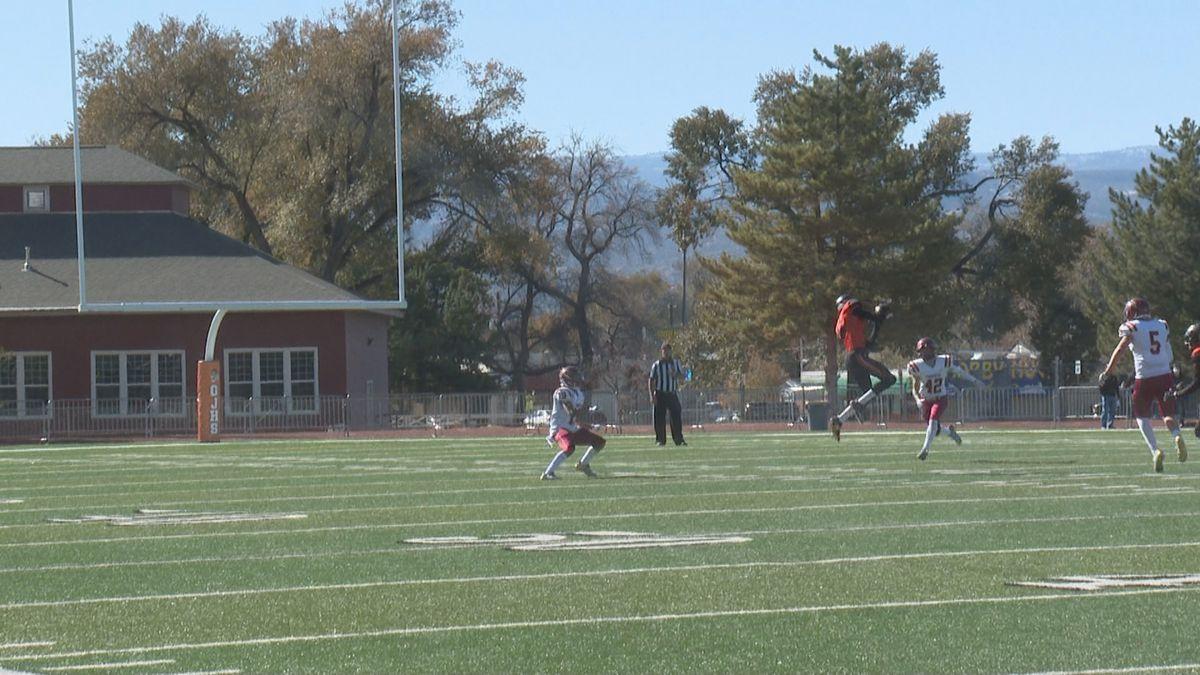 Braden Prettyman leaps for the catch